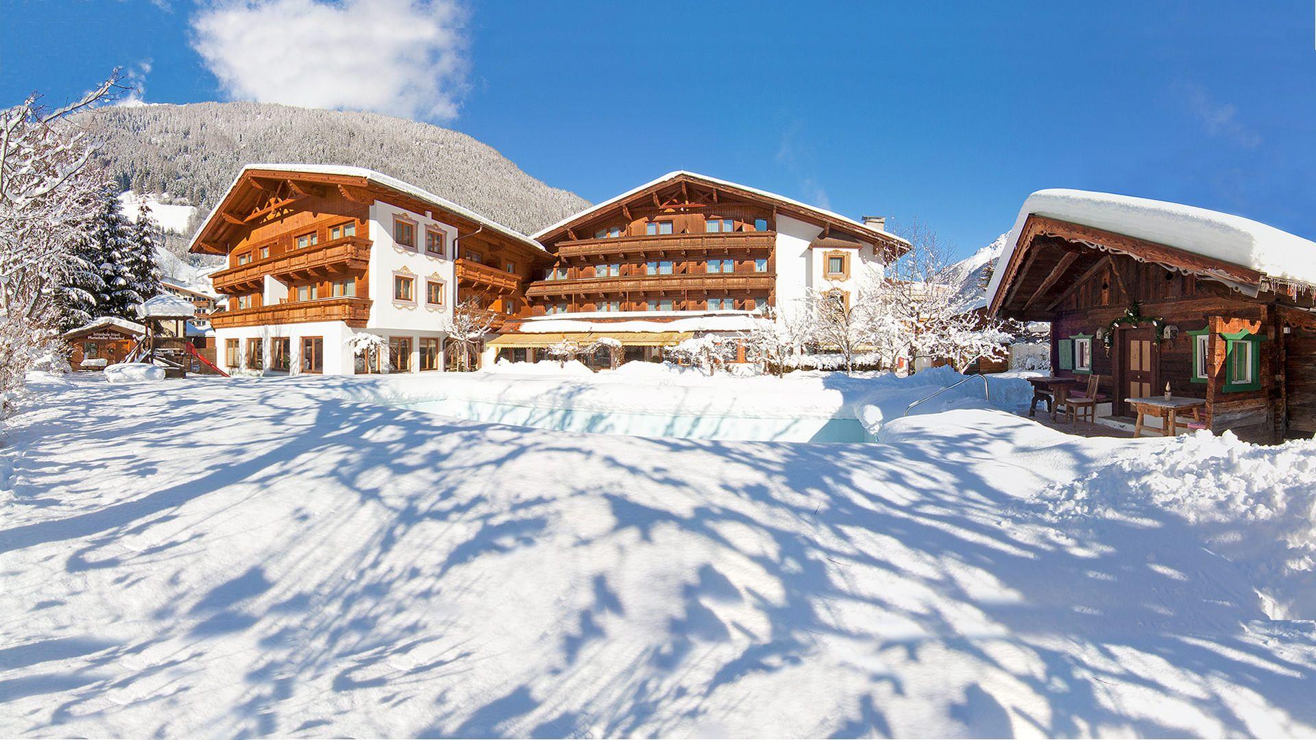 Gartenansicht Alpenhotel Tirolerhof in Neustift im Stubaital